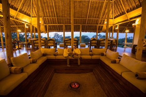 tarangiretreetops-lounge-and-firepit