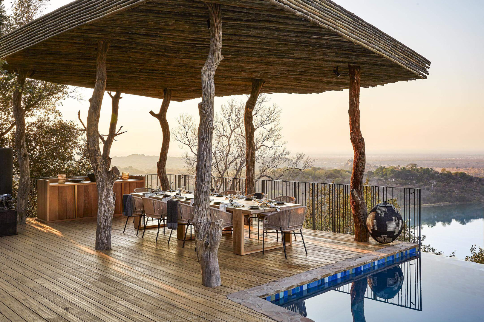 Singita Malilangwe House Family dining o