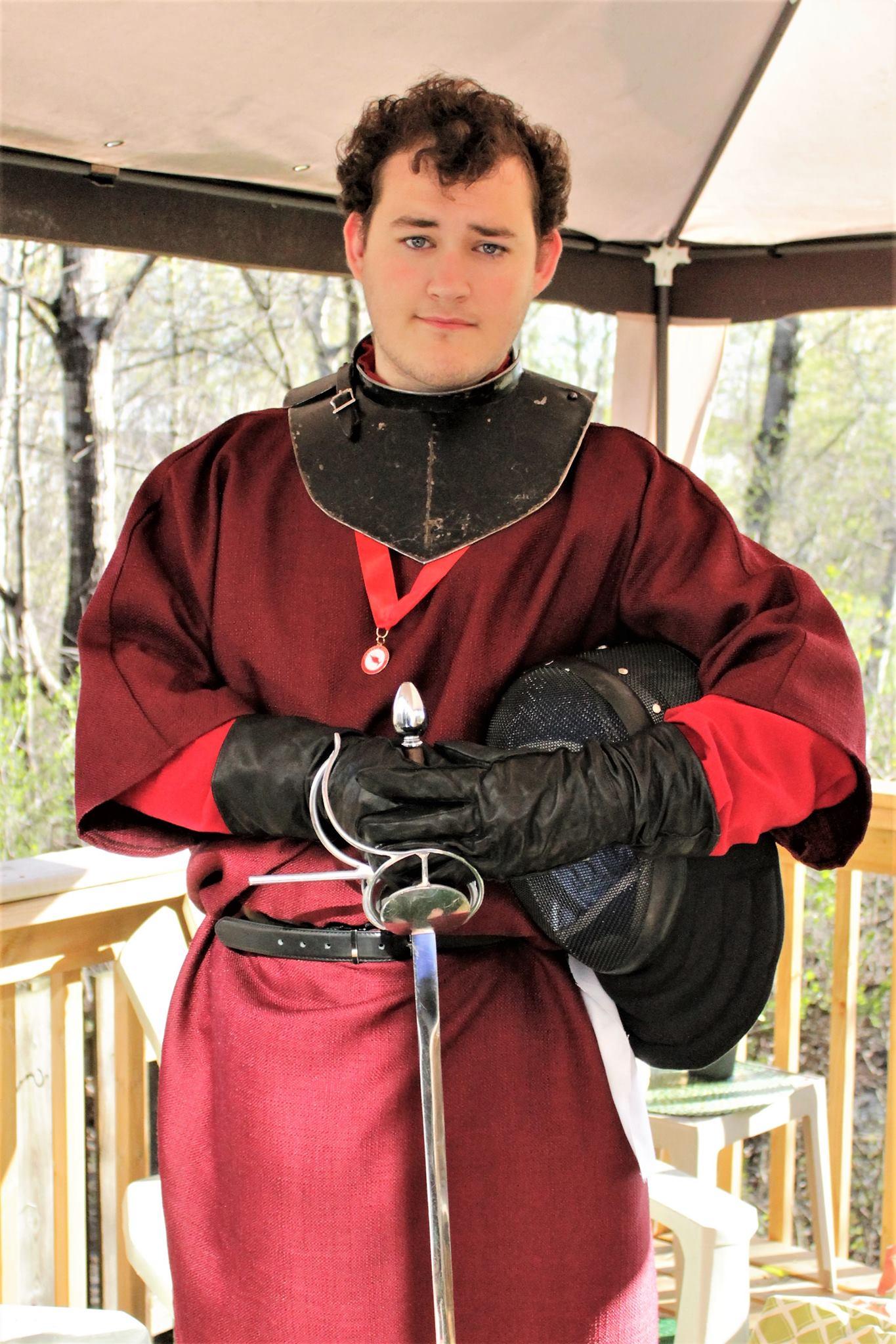 Shamus_with_sword