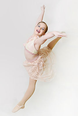 Kelsea Norton  Dance.JPG