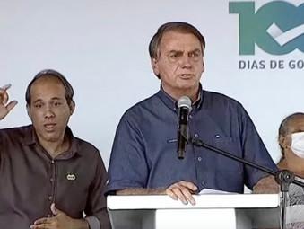 Bolsonaro diz que preço do gás de cozinha vai cair à metade com venda direta