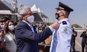 Caiado anuncia promoção de policiais durante aniversário de 163 anos da Polícia Militar