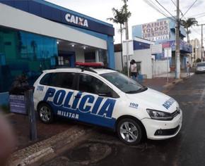 PM prende suspeito de tentar sacar ilegalmente FGTS na Caixa em Jaraguá