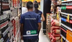 Fiscalização da Vigilância percorre comércios de Jaraguá no 1º dia após novo decreto
