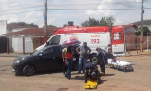 Motociclista é hospitalizado após acidente na Av. Bernardo Sayão em Jaraguá