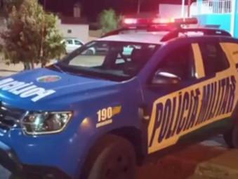 Comerciante lança bombinhas para atingir crianças que brincavam em árvore em Jesúpolis