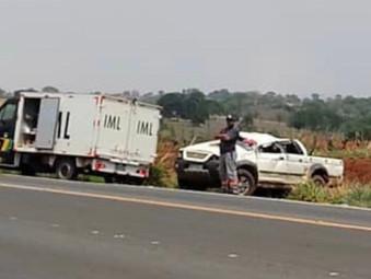 Uma pessoa morreu após acidente com saída de pista na BR-153 em Nova Glória