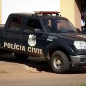 Homem é preso na casa da mãe em Jaraguá vendendo drogas, após ameaça-lá