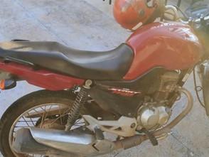 Moto furtada em São Paulo é recuperada pela Polícia Militar no centro de Jaraguá