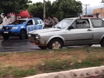 Condutores são autuados em Jaraguá após acidente, nenhum tinha CNH