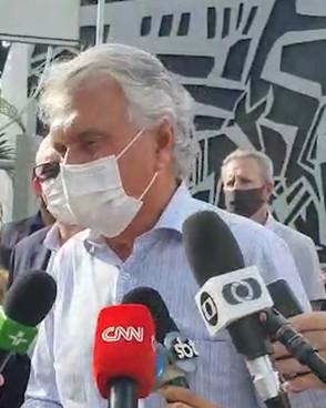 Caiado buscará vacinas contra Covid em São Paulo nas próximas horas
