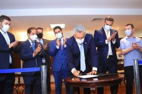 Ronaldo Caiado dá posse a Renato de Castro na Presidência da CODEGO