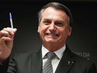 Bolsonaro aumenta IOF até o fim do ano, imposto vai custear novo Bolsa Família