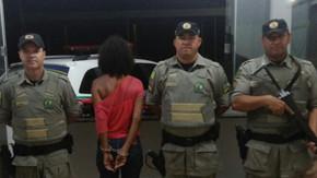 Mulher é presa pela PRE com 59 kg de maconha na GO-080 em São Francisco