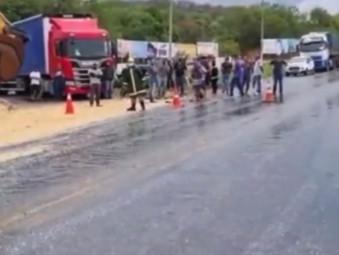 Motorista morre em acidente no trevo de Rialma e BR-153 é interditada