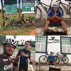 Atletas de Jaraguá percorrem de bicicleta os 300 km do Caminho de Cora Carolina