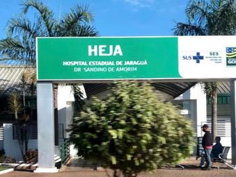 Motociclista bate em caminhão parado em Jaraguá e fica desacordado por duas horas