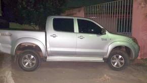 Polícia Civil de Jaraguá recupera caminhonete Toyota/Hilux que havia sido roubada em Uruaçu