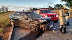 Engenheiro de Itapaci morre após capotar Ford/Fiesta na GO-080 próximo a São Francisco