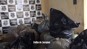 Polícia Civil de Jaraguá apreende cerca de 4 mil peças de roupas falsificadas