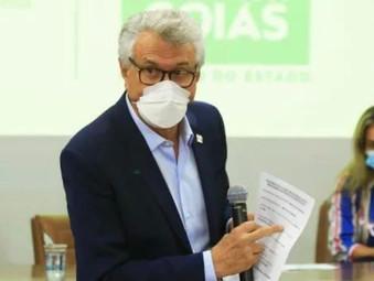 Caiado anuncia distribuição de absorventes para estudantes e mulheres carentes