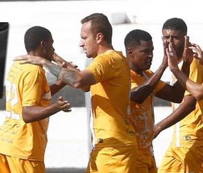 Time amador do Jaraguá Esporte Clube passa vergonha e perde de 4 x 0 para o Brasiliense