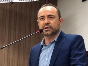 Vereador Marcos Piaba cobra da O.S que comanda o HEJA a contratação de pediatra