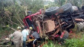 Filho de ex-vereador de Jaraguá escapa de acidente envolvente três veículos na BR-153