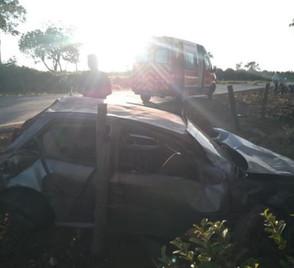 Capotamento na GO-230, entre Goianésia e Vila Propício, deixa uma pessoa ferida