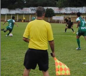 Árbitros cobram da Prefeitura de Jaraguá o pagamento do Campeonato Municipal