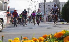 Passeio Ciclístico do Excepcional da APAE de Jaraguá reúne dezenas de atletas