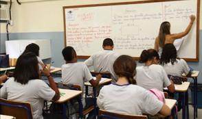 Governo vai pagar progressão para 3,5 mil servidores da educação em Goiás