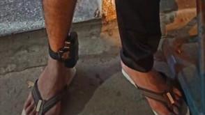 Homem com tornozeleira foge do local do acidente em Jaraguá, mas é localizado