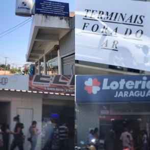 Lotérica Milionária de Jaraguá fecha e longa fila se forma na segunda unidade