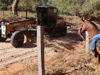 Com máquinas recuperadas, secretário anuncia retomada do patrolamento em Jaraguá