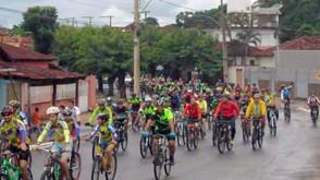 """Passeio Pedal dos Amigos """"Biskreteiros"""" reúne ciclistas em trajeto de quase 100 km"""