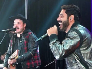 Israel & Rodolffo cantam Batom de Cereja na final do BBB com Juliette campeã