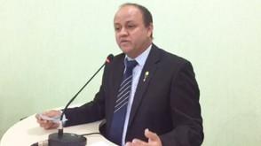 Líder do prefeito diz que município terá de quitar 700 mil de previdência e 142 mil de salários atra