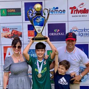 Atleta de Jaraguá, Vitor de Camargo é campeão Sub11 no Caldas Cup