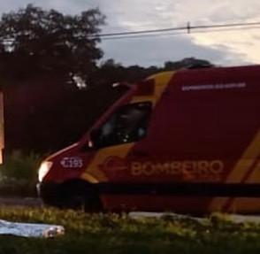 Vítimas de acidente na GO-080 em Jaraguá são levados para o HEJA