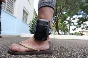 Estado elabora projeto de lei para obrigar presos a pagarem por tornozeleira