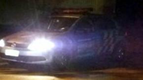 Após carona, bandido tenta enforcar a vítima e roubar veículo, mas acaba preso pela PM.