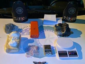 Equipe do Tático da Polícia Militar faz nova apreensão de drogas em Jaraguá