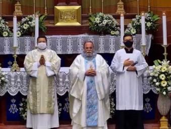 Padre Antônio Maria participa da Novena de Nossa Senhora da Penha em Jaraguá