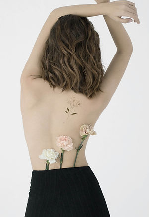 Flowers%2520on%2520Bare%2520Back_edited_