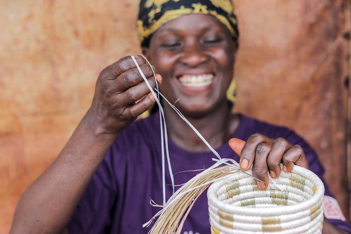 WomenCraft_Esperance proudly weaving I.j