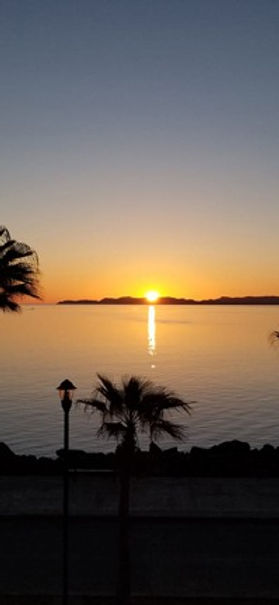 sunrise column bg r_edited.jpg