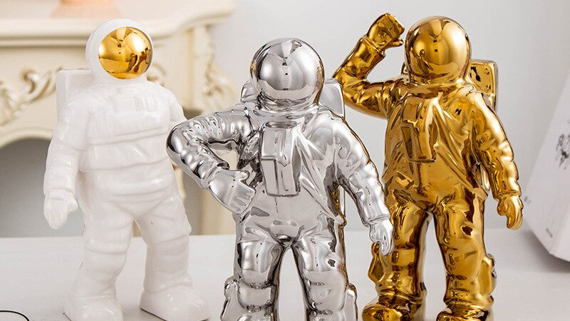 COSMONAUT Sculpture
