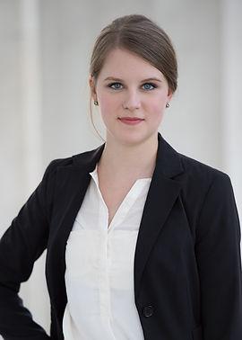 Lauren Stump, DVM.jpg