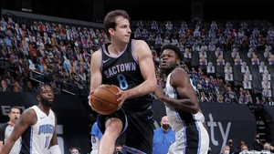 Short-handed Kings fall back into bad habits in loss to magic